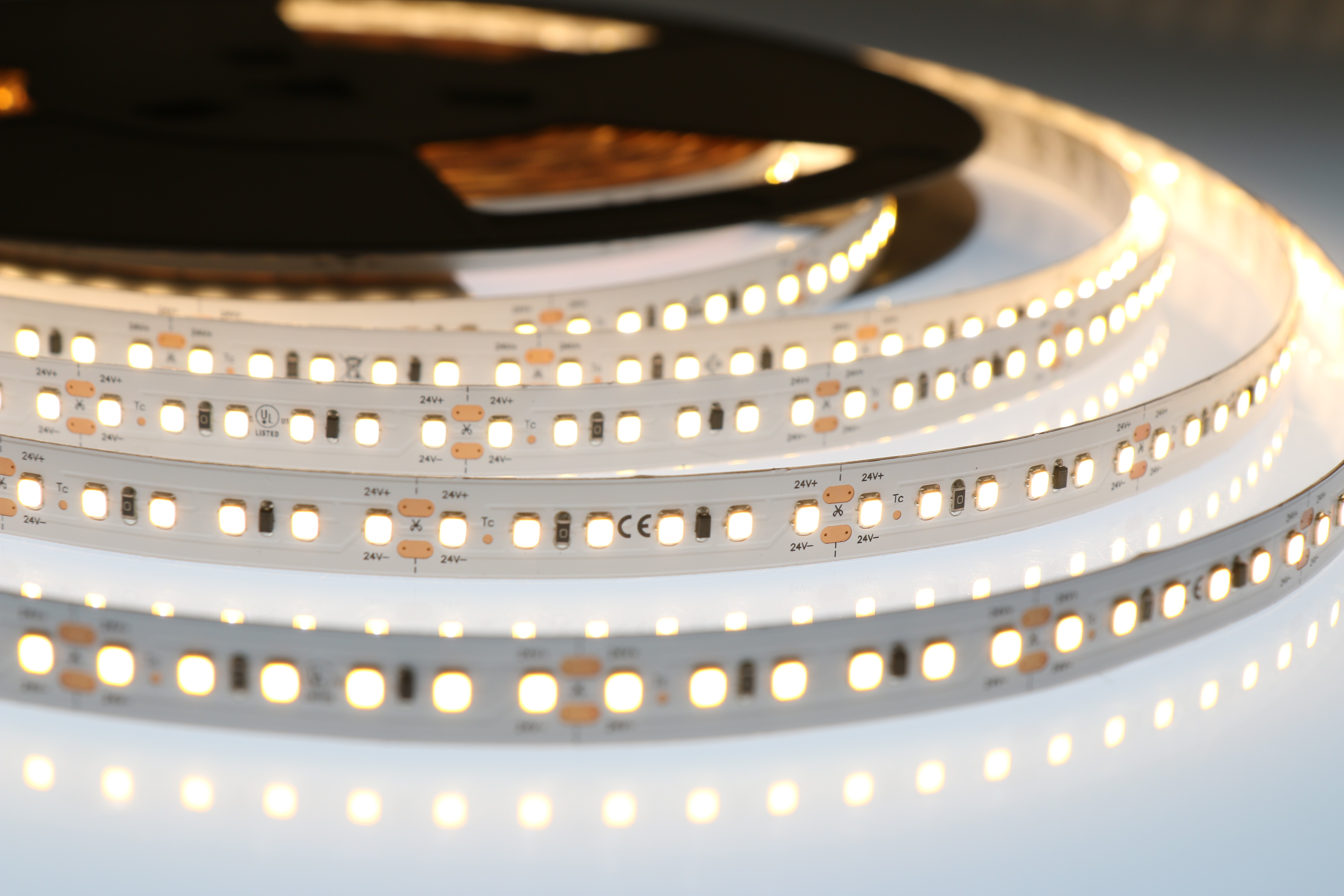 LED лента ULTRA LONG-20m, 2835 120Led/m, 24VDC, 9.6W/m, 3000K, CRI80, 960Lm/m